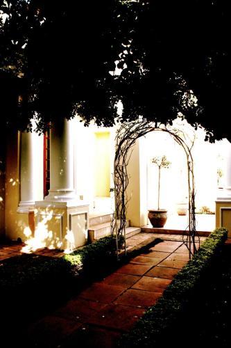 Cricklewood Manor Photo