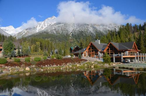 Panorama Vacation Retreat At Horsethief Lodge - Panorama, BC V0A 1T0
