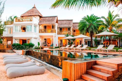 Coastel-Road, Mauritius.