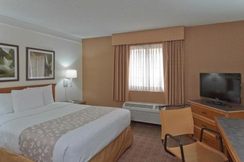 La Quinta Inn & Suites Las Vegas Airport North Convention Center Photo