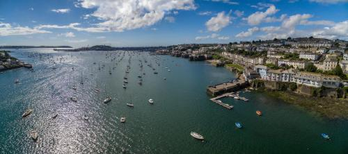 Harbourside, Falmouth, Cornwall TR11 2SR, England.