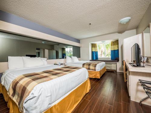 Microtel Inn & Suites Palm Coast Photo