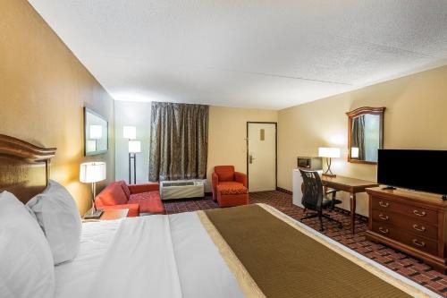 Rodeway Inn Knoxville Photo