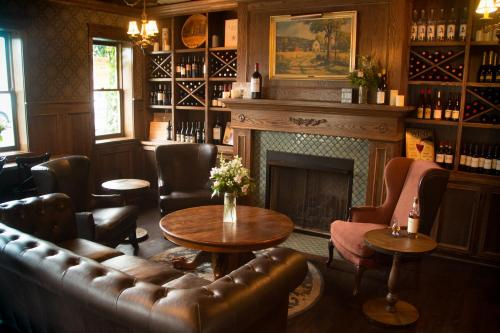 The Mill Inn - Lynden, WA 98264