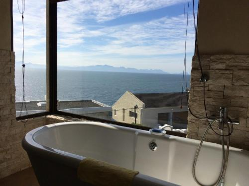 Villa Whales View Photo