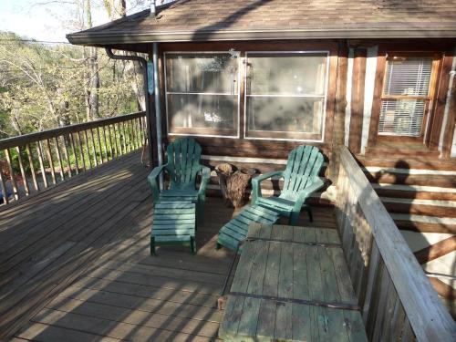 Lake Lucerne Treehouse - Eureka Springs, AR 72632