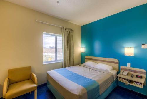Motel 6 Estevan Photo