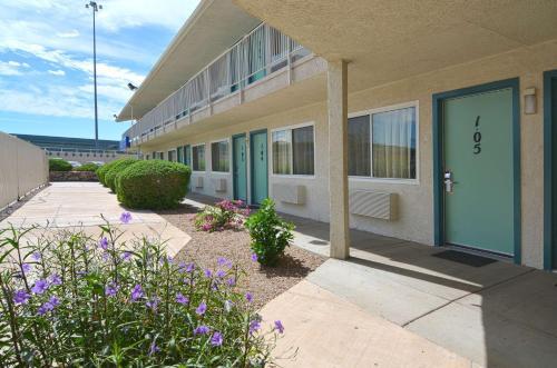Motel 6 Tucson - Congress Street Photo