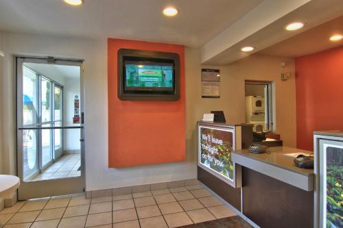 Motel 6 Woodland - Sacramento Area Photo