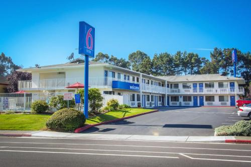 Motel 6 Arcata - Humboldt University Photo