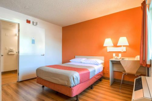 Motel 6 Los Angeles - Norwalk Photo