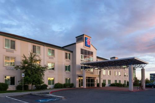 Motel 6 Anchorage
