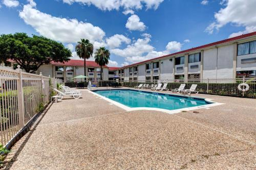 Motel 6 Houston Hobby photo 43
