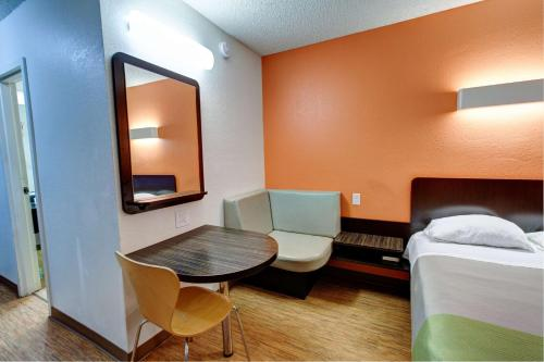 Motel 6 Houston Hobby photo 53