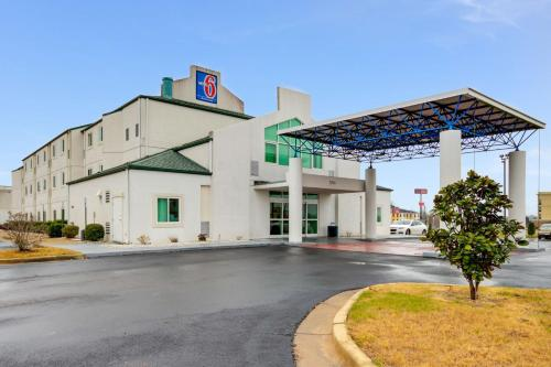 Motel 6 - Montgomery / Hope Hull Photo