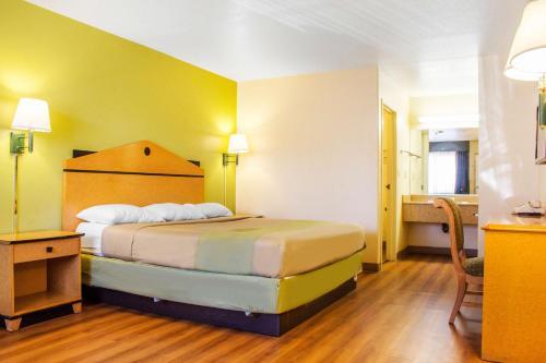 Motel 6 Tempe- ASU Photo