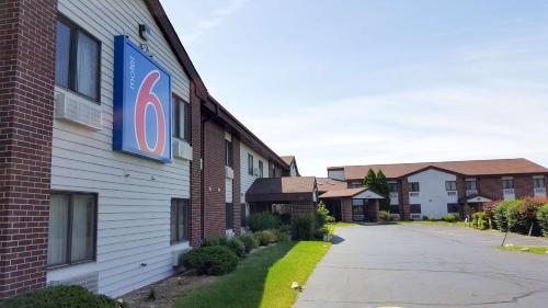 Motel 6 Saukville Photo