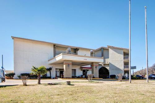 Studio 6 Dallas – Irving DFW Airport North Photo