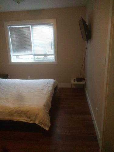Cozy South Burnaby Homes - Burnaby, BC V5J 2M7