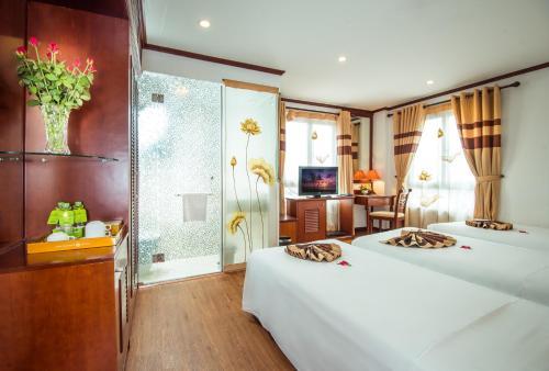May De Ville Legend Hotel photo 33