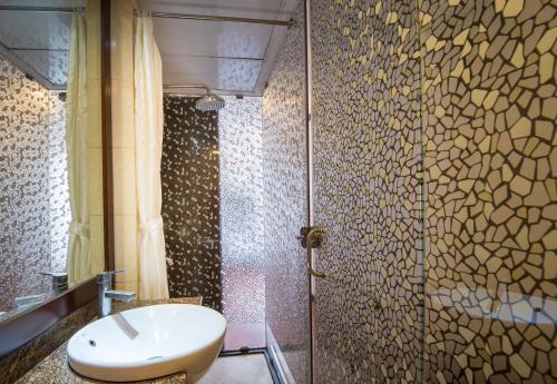 May De Ville Legend Hotel photo 38
