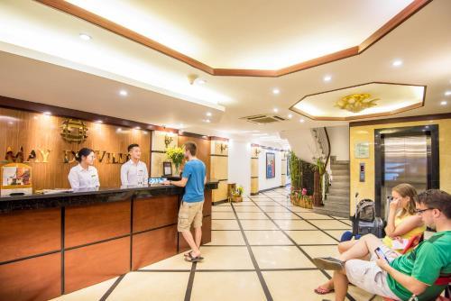 May De Ville Legend Hotel photo 42