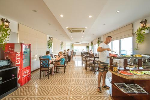 May De Ville Legend Hotel photo 43