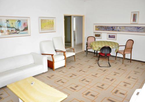 HotelTokoin Habitat