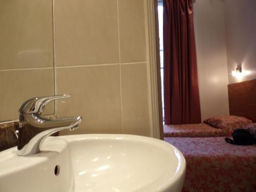 Wedgewood Hotel photo 41