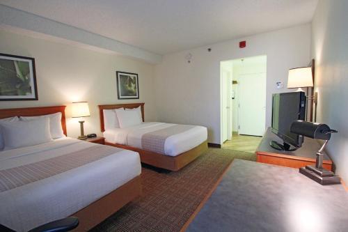 La Quinta Inn & Suites Orlando South photo 8