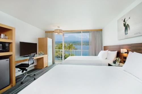 Grand Naniloa Hotel, a Doubletree by Hilton Photo