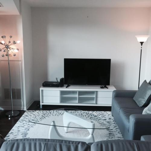 Fort York Apartment - Toronto, ON M5V 4A1