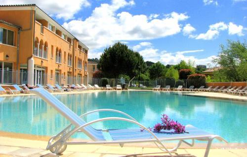 La Licorne De Haute Provence - Hôtel, Les Riayes 04800 Gréoux-les ...