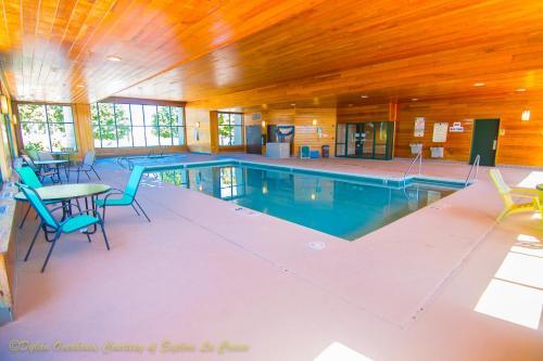 Baymont Inn and Suites Onalaska Photo