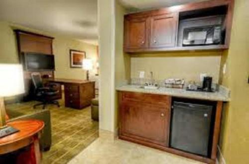 Hampton Inn And Suites Tifton - Tifton, GA 31794