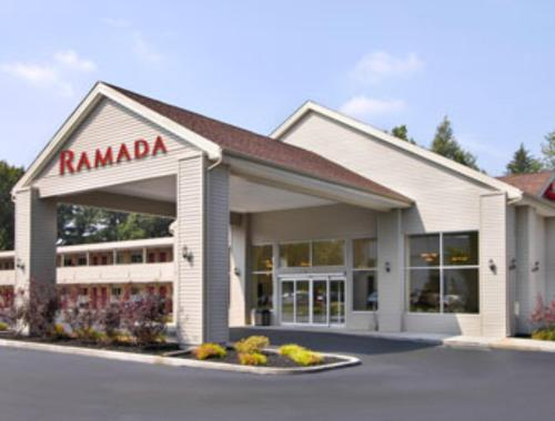 Ramada Cleveland Airport Photo
