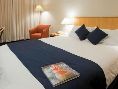 ibis Styles Canberra photo 43