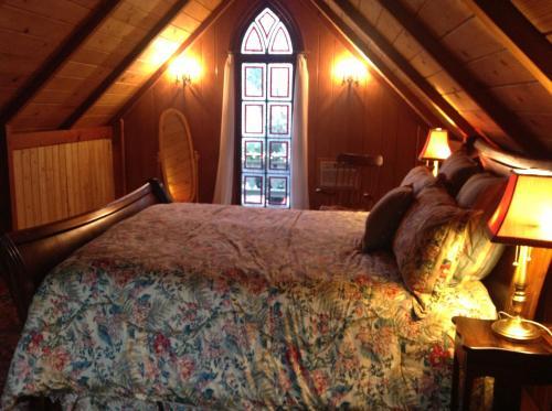 Two Room Inn