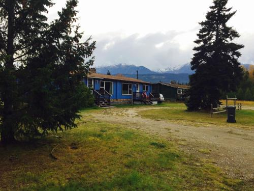 Hiker House - Valemount, BC V0E 2Z0