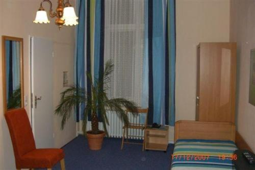 Hotel-Pension Rheingold am Kurfürstendamm photo 10