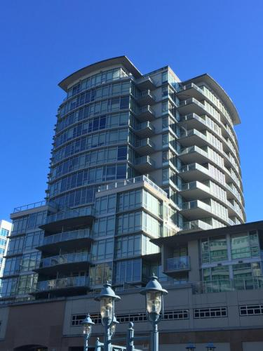 2B n 2B Highrise Apartment Photo