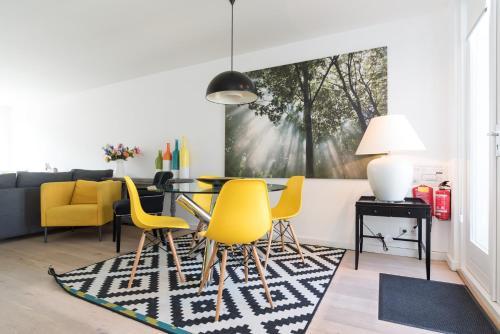 Ruby van Gogh Apartments photo 18