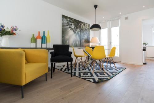 Ruby van Gogh Apartments photo 8