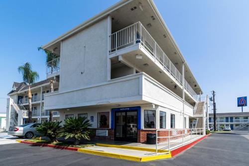 Motel 6 Anaheim - Fullerton East Photo