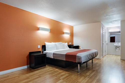 Motel 6 Ferndale - Ferndale, WA 98248