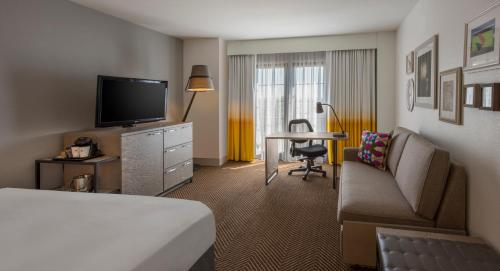 DoubleTree by Hilton Austin photo 15