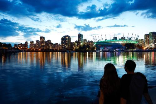 The Burrard - Vancouver, BC V6Z 1Y7