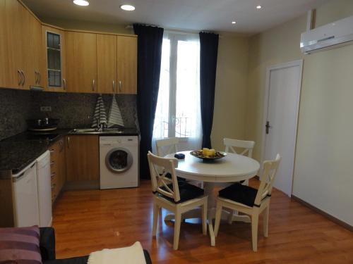 Apartamentos Barcelona - Iberia photo 14