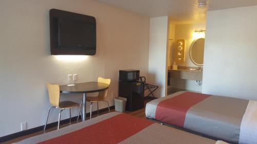 Motel 6 Columbus OSU Photo