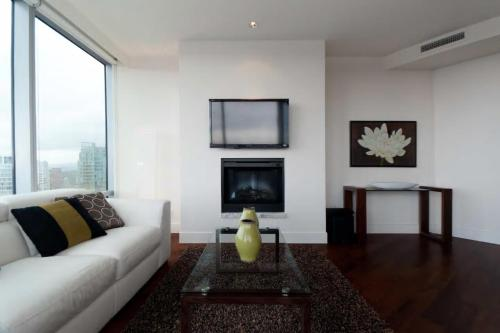 Shangri-la Serenity Suite - Vancouver, BC V6E 0A8